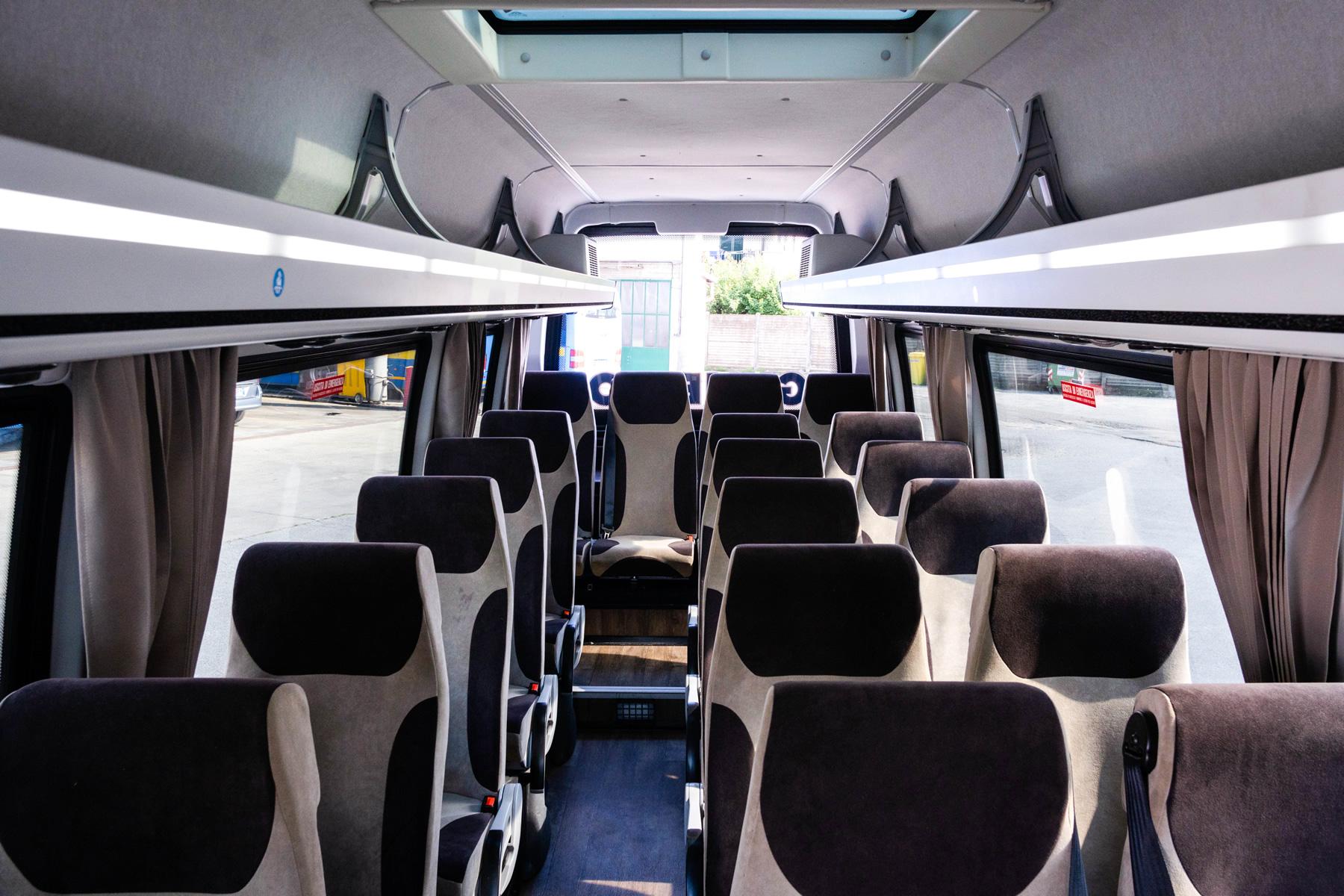 Gunetto Autolinee: noleggio bus Fossano Cuneo - Iveco ...
